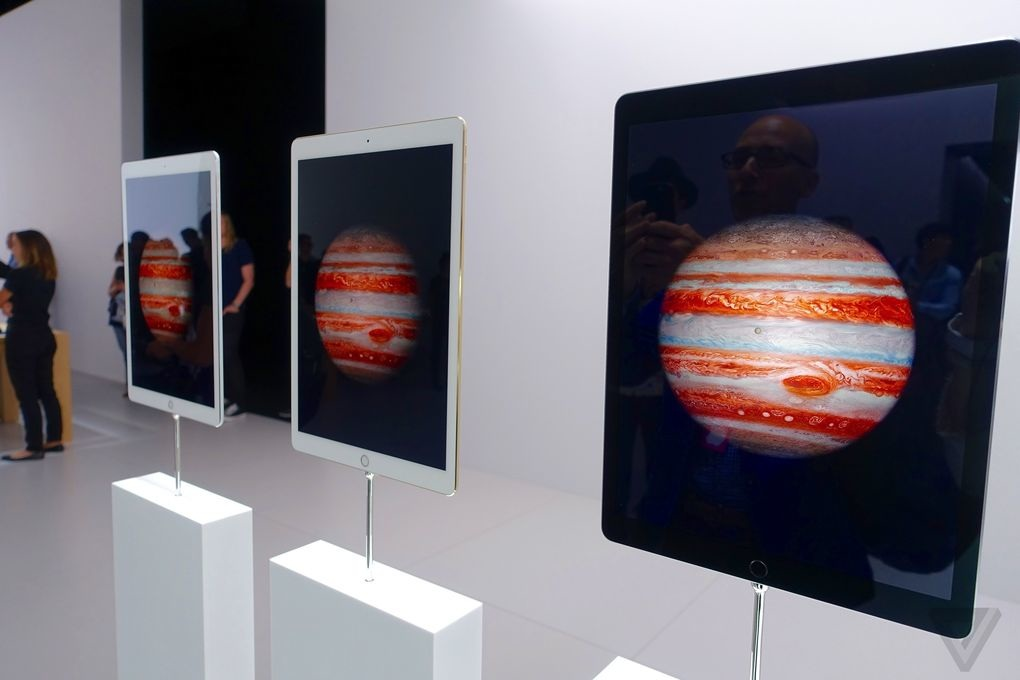 iPad Pro on display at the Apple event in September 2015 (Source: The Verge)